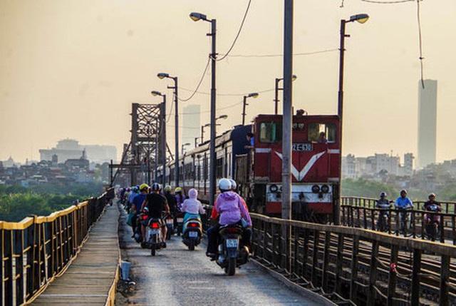 6 cây cầu huyết mạch bắc qua sông Hồng  - Ảnh 1.