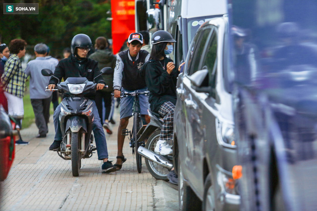 [Ảnh] Kẹt xe, ùn tắc khắp nơi ở Đà Lạt dịp cuối tuần - Ảnh 4.