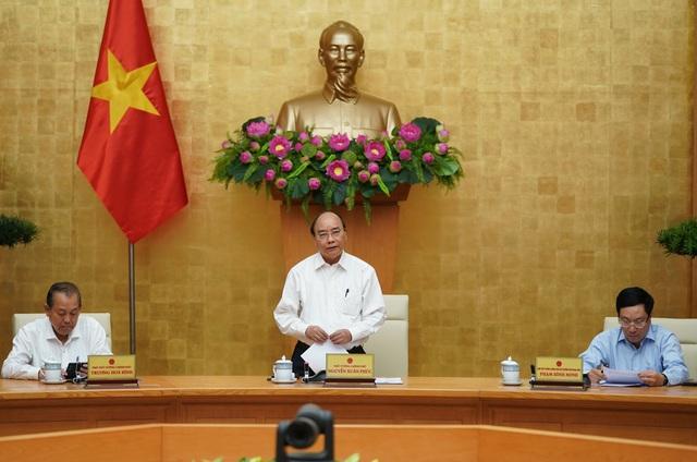 Thủ tướng yêu cầu bình tĩnh, không chủ quan, điều tra, truy vết quyết liệt - Ảnh 2.
