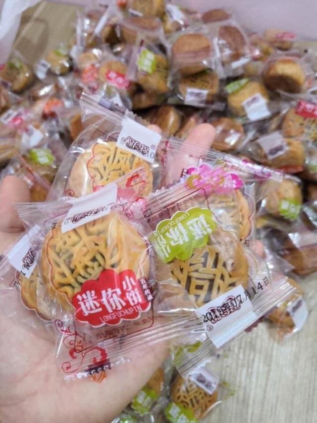 Còn lâu mới đến Trung thu mà Bánh trung thu mini giá hơn 2.000 đồng/chiếc đã tràn ngập chợ mạng - Ảnh 2.