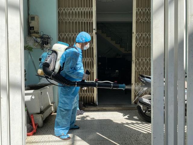 Hành trình dịch tễ của bệnh nhân Covid-19 thứ 418: Ở bệnh viện nhiều ngày, không tiếp xúc với người nước ngoài - Ảnh 1.