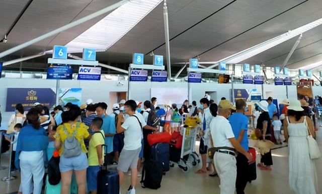 Tăng tối đa các chuyến bay giải tỏa hành khách khỏi Đà Nẵng - Ảnh 1.