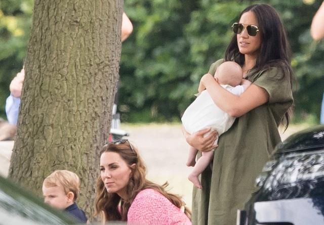 Một loạt bằng chứng cho thấy mối quan hệ rạn nứt giữa Công nương Kate với em dâu Meghan hoàn toàn có thật - Ảnh 4.