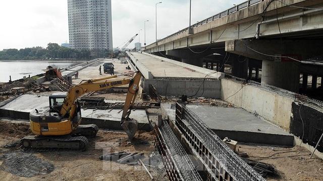 Cận cảnh cầu vượt hồ 314 tỷ đồng sắp hoàn thành ở Hà Nội - Ảnh 5.