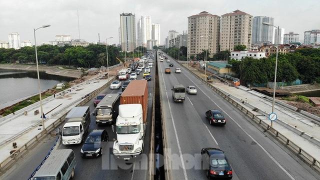 Cận cảnh cầu vượt hồ 314 tỷ đồng sắp hoàn thành ở Hà Nội - Ảnh 6.