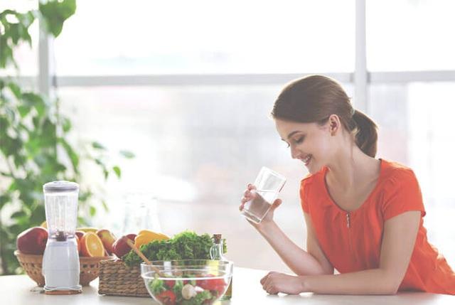 Bữa tối sai lầm là kẻ thù của sức khỏe: Áp dụng 4 nguyên tắc ăn uống cân bằng, đủ chất, giảm bớt gánh nặng cho cơ thể - Ảnh 2.
