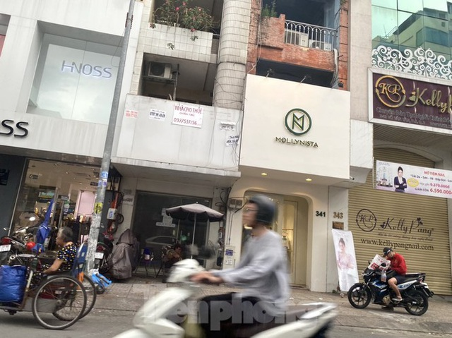 Nhà phố tiền tỷ thi nhau đóng cửa, treo biển cho thuê ở trung tâm Sài Gòn - Ảnh 11.