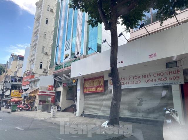 Nhà phố tiền tỷ thi nhau đóng cửa, treo biển cho thuê ở trung tâm Sài Gòn - Ảnh 12.