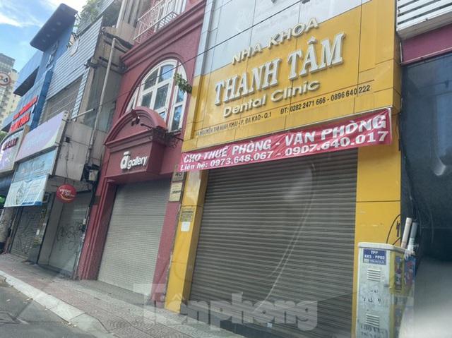 Nhà phố tiền tỷ thi nhau đóng cửa, treo biển cho thuê ở trung tâm Sài Gòn - Ảnh 20.