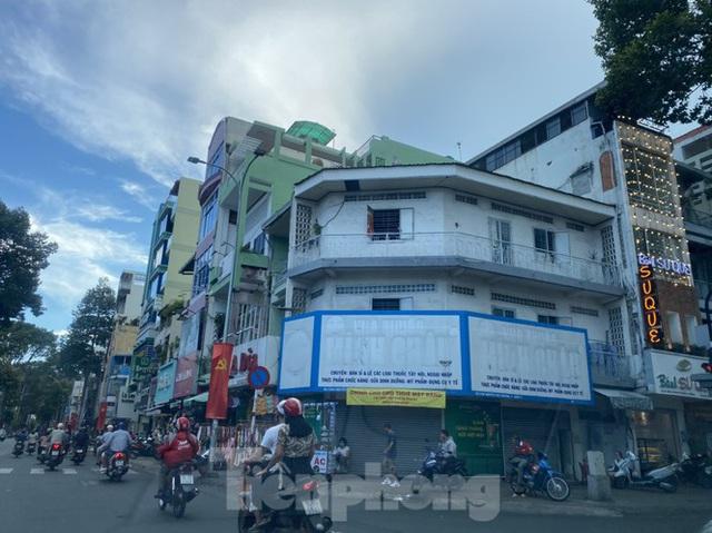 Nhà phố tiền tỷ thi nhau đóng cửa, treo biển cho thuê ở trung tâm Sài Gòn - Ảnh 3.