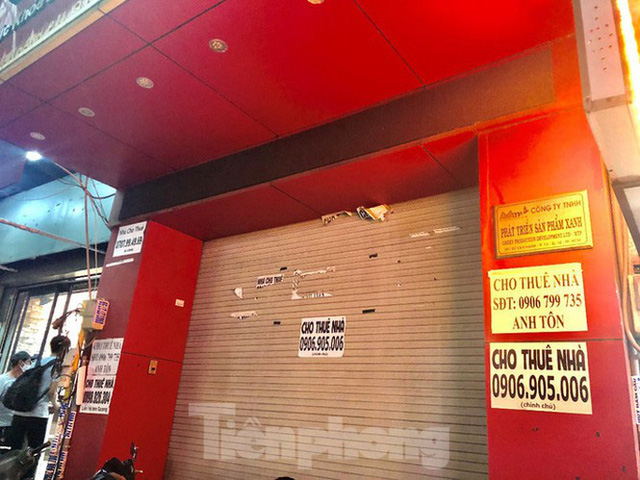 Nhà phố tiền tỷ thi nhau đóng cửa, treo biển cho thuê ở trung tâm Sài Gòn - Ảnh 24.