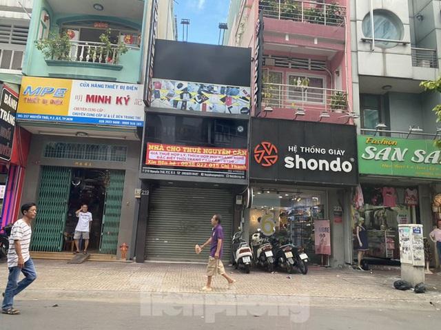 Nhà phố tiền tỷ thi nhau đóng cửa, treo biển cho thuê ở trung tâm Sài Gòn - Ảnh 4.