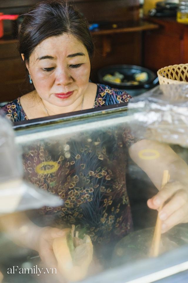 Bà chủ tiệm Bánh mì Phượng nói về 20 năm khiến bạn bè quốc tế ca ngợi ẩm thực Việt, nhưng khi thành công thì vô vàn điều tiếng ôi sao lại Tây hóa chiếc bánh của quê hương!? - Ảnh 4.