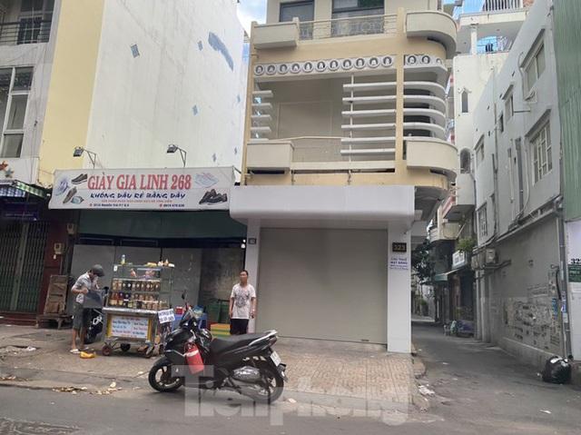 Nhà phố tiền tỷ thi nhau đóng cửa, treo biển cho thuê ở trung tâm Sài Gòn - Ảnh 6.