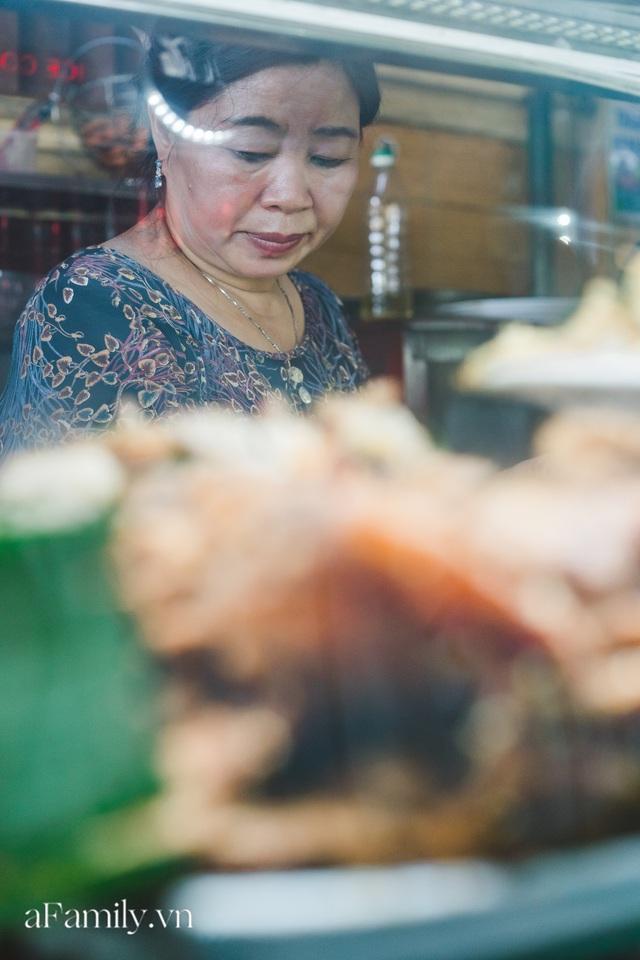 Bà chủ tiệm Bánh mì Phượng nói về 20 năm khiến bạn bè quốc tế ca ngợi ẩm thực Việt, nhưng khi thành công thì vô vàn điều tiếng ôi sao lại Tây hóa chiếc bánh của quê hương!? - Ảnh 6.