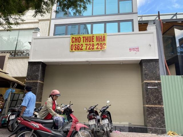 Nhà phố tiền tỷ thi nhau đóng cửa, treo biển cho thuê ở trung tâm Sài Gòn - Ảnh 7.