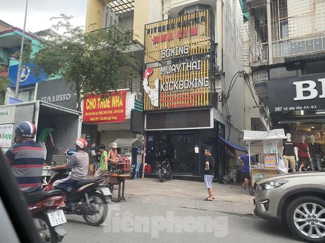 Nhà phố tiền tỷ thi nhau đóng cửa, treo biển cho thuê ở trung tâm Sài Gòn - Ảnh 10.