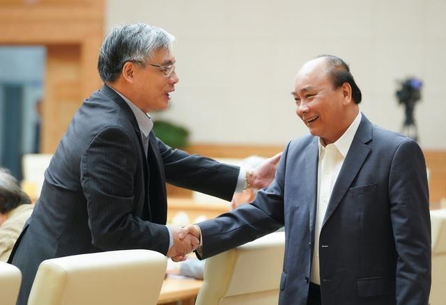 PGS. TS Trần Đình Thiên: Phải cứu doanh nghiệp giúp nền kinh tế đứng dậy được chứ không phải để tất cả cùng thoi thóp! - Ảnh 10.