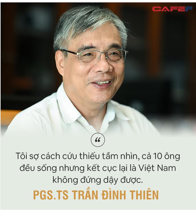 PGS. TS Trần Đình Thiên: Phải cứu doanh nghiệp giúp nền kinh tế đứng dậy được chứ không phải để tất cả cùng thoi thóp! - Ảnh 4.