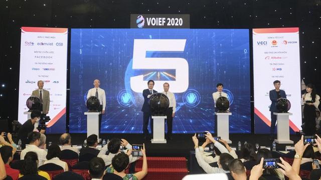 Việt Nam cần thay đổi hơn nữa trong chuyển đổi số - Ảnh 2.