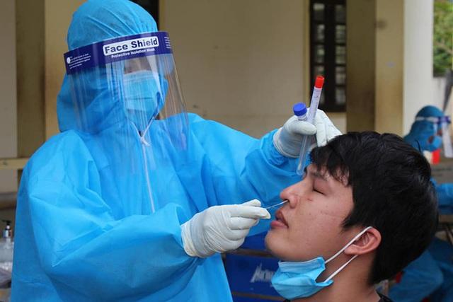 Nữ bệnh nhân số 435 về thăm quê ở Nghệ An trước khi phát hiện nhiễm Covid-19 - Ảnh 1.