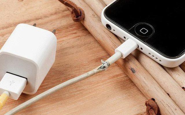 """Apple """"hét giá"""" cáp Thunderbolt 3 Pro 129 USD, nghe có vẻ vô lý nhưng ngẫm lại thì khá thuyết phục - Ảnh 2."""