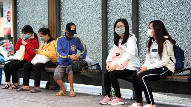 Người dân TP HCM kích hoạt thói quen mang khẩu trang  - Ảnh 5.