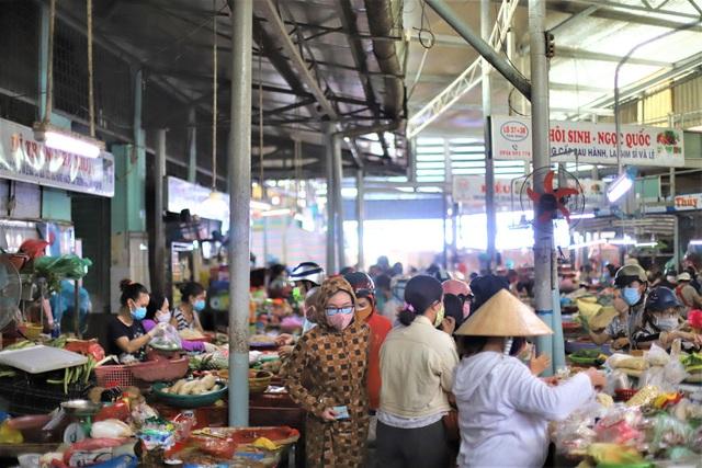 Chùm ảnh: Tất cả hàng quán ở Đà Nẵng chính thức đóng cửa, ngưng cả bán mang về từ 13 giờ chiều nay - Ảnh 11.