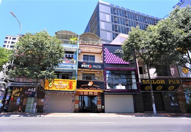 Chùm ảnh: Tất cả hàng quán ở Đà Nẵng chính thức đóng cửa, ngưng cả bán mang về từ 13 giờ chiều nay - Ảnh 3.