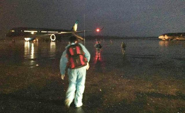 Tiếp viên trưởng kể về những tín hiệu SOS trên chuyến bay đón đồng bào ở Guinea Xích đạo - Ảnh 5.