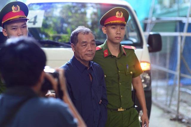 Ông Trầm Bê nhận thêm 3 năm tù vì gây thiệt hại hơn 500 tỉ - Ảnh 1.