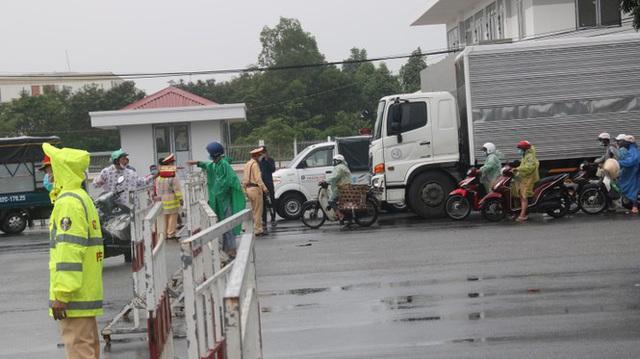 Lập 8 chốt kiểm soát người và phương tiện ra vào Đà Nẵng - Ảnh 2.