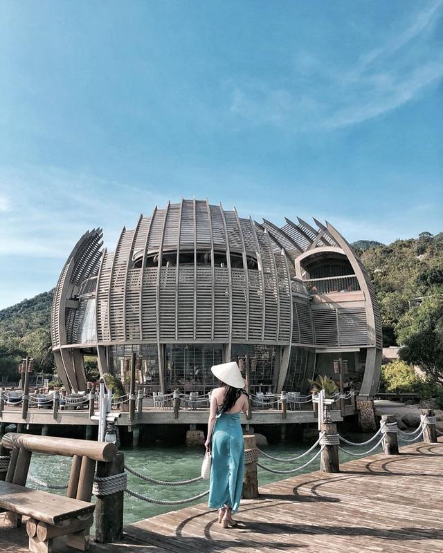 """Vịnh Ninh Vân - vùng biển được nhiều ngôi sao """"săn đón"""" nhất Việt Nam hè 2020: Thiên đường của sự bình yên tột cùng - Ảnh 14."""
