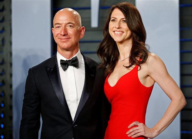 Chỉ sau 1 năm ly hôn, vợ cũ tỷ phú Amazon đã thay đổi số phận một cách ngoạn mục nhờ sự lựa chọn khôn ngoan - Ảnh 1.