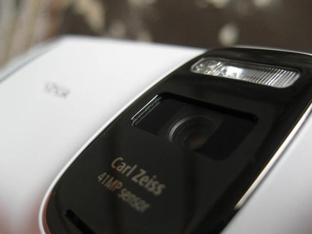 Ngược dòng thời gian: Những chiếc điện thoại để lại dấu ấn sâu đậm trong nhiếp ảnh di động trước thời iPhone và Android thống trị - Ảnh 16.