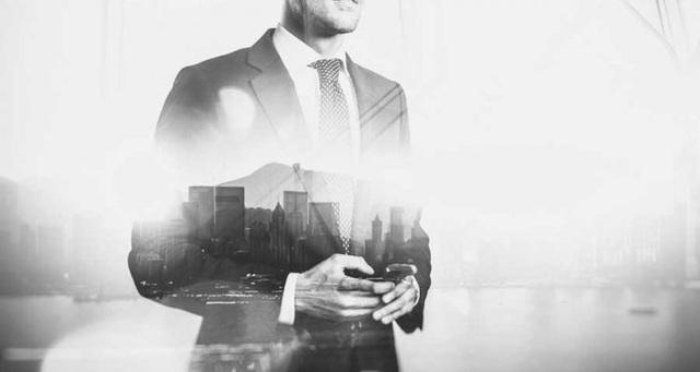 Tìm hiểu tư duy làm nên sự khác biệt của những người dẫn đầu so với số đông: Nỗ lực chưa bao giờ là đủ, danh hiệu không nói lên giá trị của con người - Ảnh 2.