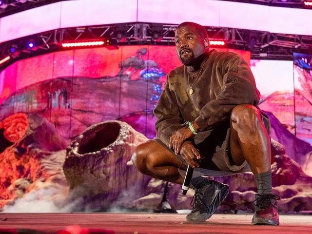 Kanye West – rapper vừa tuyên bố tranh cử tổng thống Mỹ giàu có như thế nào? - Ảnh 1.