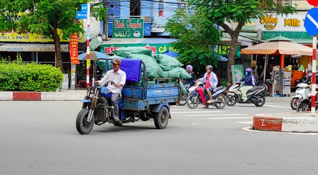 12 năm sau lệnh cấm, xe ba gác vẫn len lỏi khắp ngóc ngách Sài Gòn - Ảnh 11.