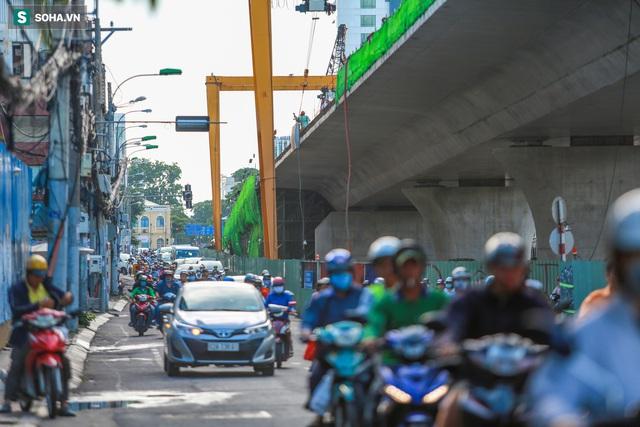 Cầu Thủ Thiêm 2 vươn mình ra sông Sài Gòn, lộ hình dáng khi nhìn từ trên cao - Ảnh 14.