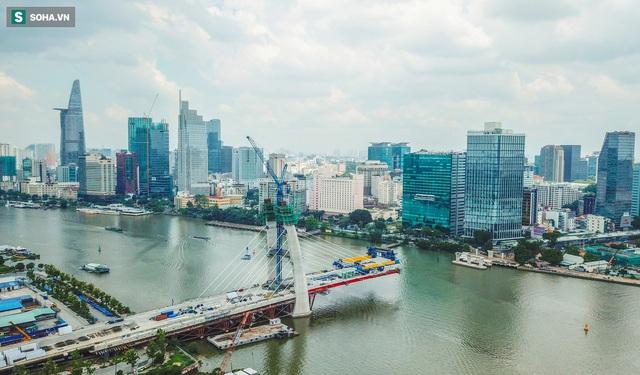Cầu Thủ Thiêm 2 vươn mình ra sông Sài Gòn, lộ hình dáng khi nhìn từ trên cao - Ảnh 18.