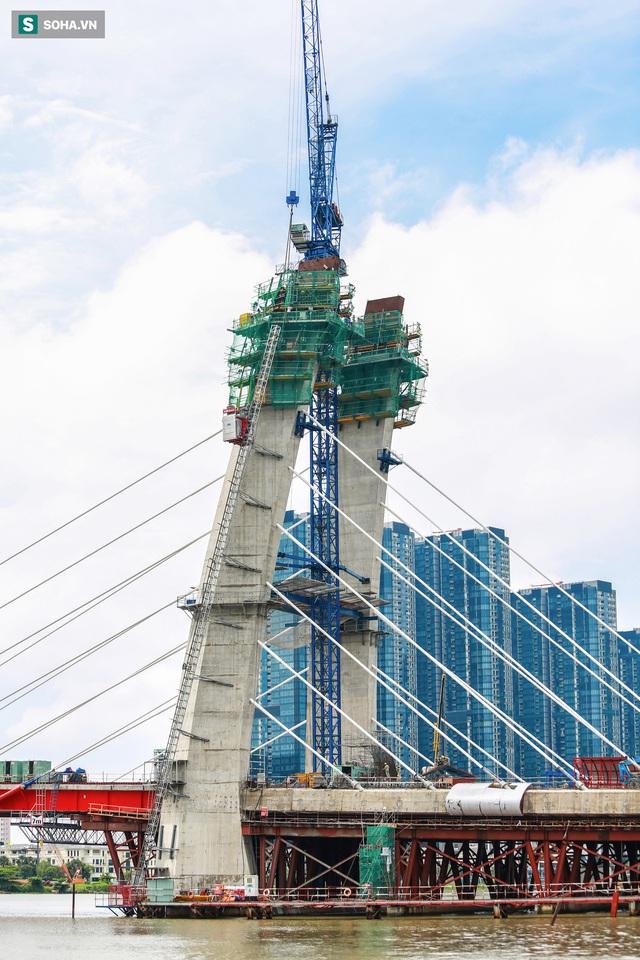Cầu Thủ Thiêm 2 vươn mình ra sông Sài Gòn, lộ hình dáng khi nhìn từ trên cao - Ảnh 5.