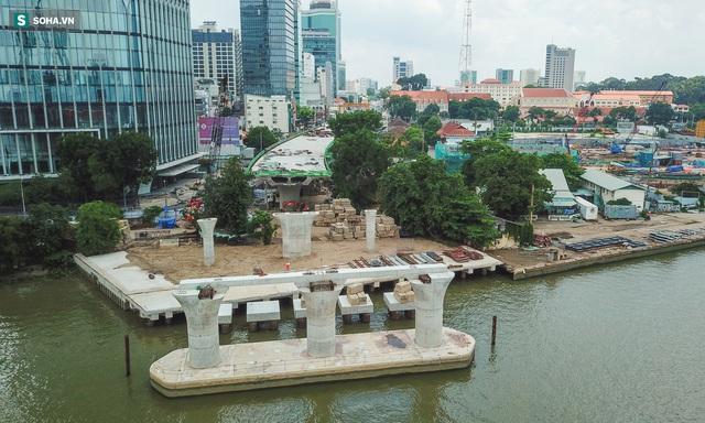 Cầu Thủ Thiêm 2 vươn mình ra sông Sài Gòn, lộ hình dáng khi nhìn từ trên cao - Ảnh 9.