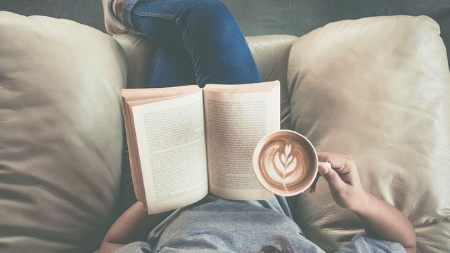 Đọc sách nhiều không bằng đọc chất lượng: Quan trọng là sau khi gấp sách bạn ngấm được gì, đừng lãng phí thời gian chỉ vì mọi người cho là nó đáng đọc - Ảnh 2.