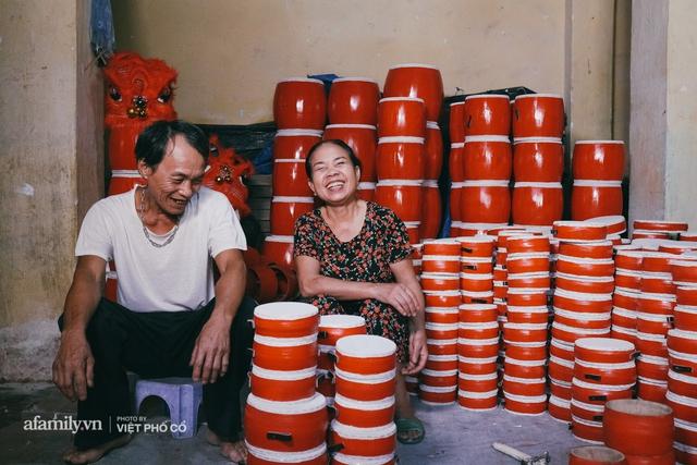 Tết Trung thu về làng Ông Hảo, gặp cặp vợ chồng 40 năm bám nghề làm trống: Đắng-cay-ngọt-bùi đã trải đủ, nhưng chưa 1 ngày mất niềm tin vào sức sống của nghề - Ảnh 14.