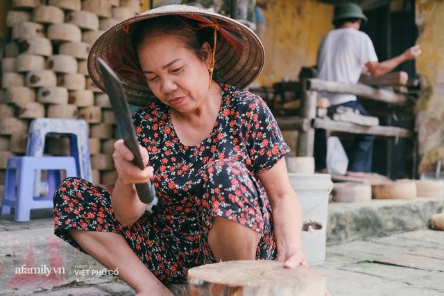 Tết Trung thu về làng Ông Hảo, gặp cặp vợ chồng 40 năm bám nghề làm trống: Đắng-cay-ngọt-bùi đã trải đủ, nhưng chưa 1 ngày mất niềm tin vào sức sống của nghề - Ảnh 20.