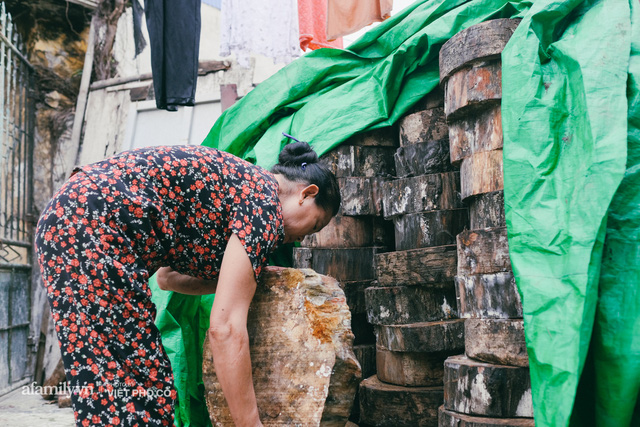 Tết Trung thu về làng Ông Hảo, gặp cặp vợ chồng 40 năm bám nghề làm trống: Đắng-cay-ngọt-bùi đã trải đủ, nhưng chưa 1 ngày mất niềm tin vào sức sống của nghề - Ảnh 10.
