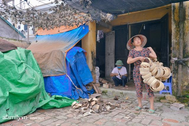 Tết Trung thu về làng Ông Hảo, gặp cặp vợ chồng 40 năm bám nghề làm trống: Đắng-cay-ngọt-bùi đã trải đủ, nhưng chưa 1 ngày mất niềm tin vào sức sống của nghề - Ảnh 11.