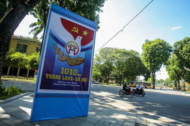 CLIP: Hà Nội rực rỡ cờ hoa kỷ niệm 1010 năm Thăng Long - Hà Nội  - Ảnh 11.