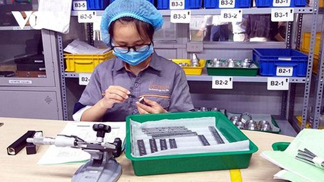 Sản xuất công nghiệp sụt giảm khi thị trường tiêu thụ gặp khó - Ảnh 1.
