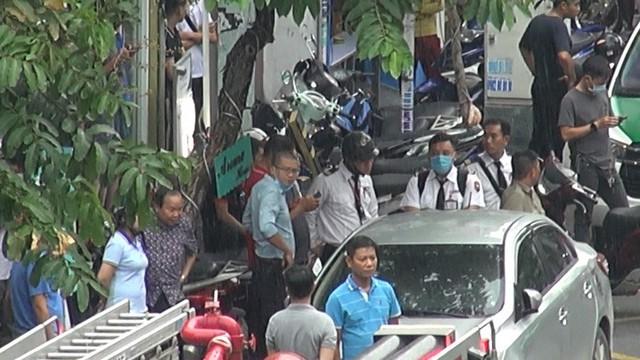 Bắt giữ kẻ cướp 2,1 tỉ đồng ở phòng giao dịch Techcombank tại Tân Phú  - Ảnh 3.